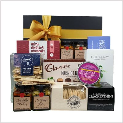 The Deluxe Gourmet gift box from our range of Gift Hampers!